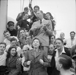 Entertaining_British_Troops_in_North_West_Europe,_1944_B7923